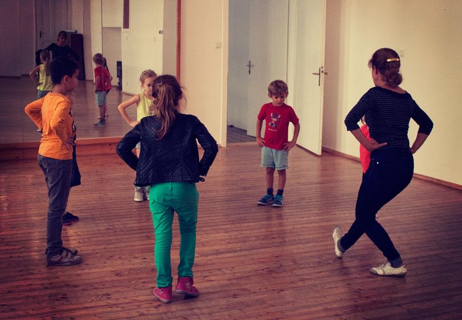 kids-training-bg-dances-1